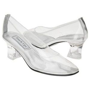 Shoes - *Wanted* Clear Cinderella clear glass slippers